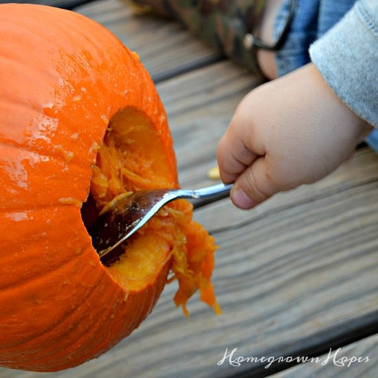 pumpkin-carving-cleaning
